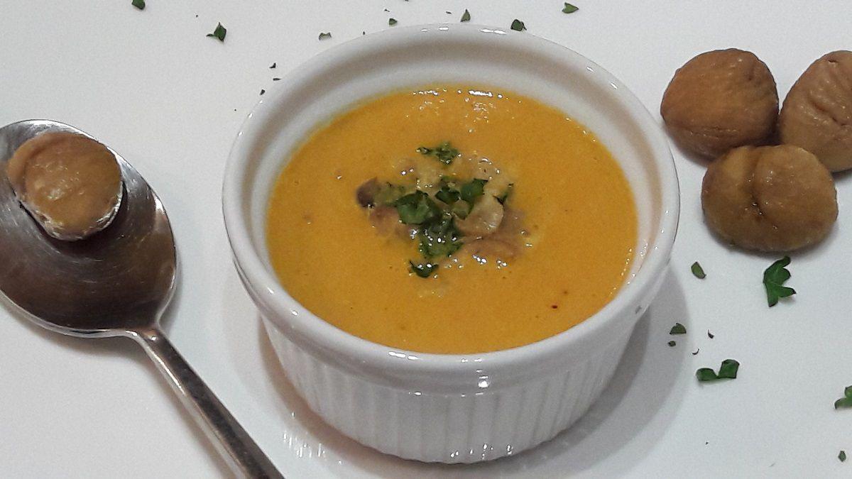 Velouté de carottes et châtaignes au cumin