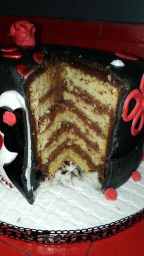 Gâteau saint Valentin ♥️ - 100% comestible - Génoise vanille ganache chocolat noir et au lait -