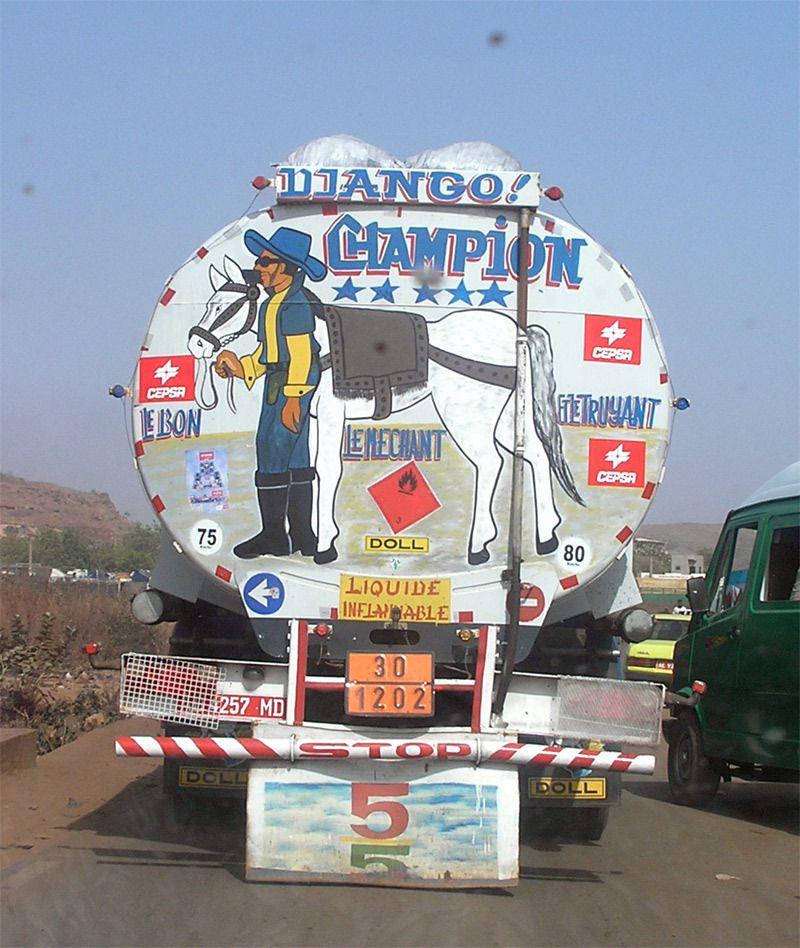 Bamako - Mali Vue à l'époque où les djihadistes sont venus foutre le souk au Mali. Le premier ministre s'appelait Django.