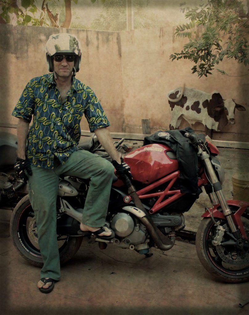 Pistonnus Van Der Bielle : L'homme à la moto