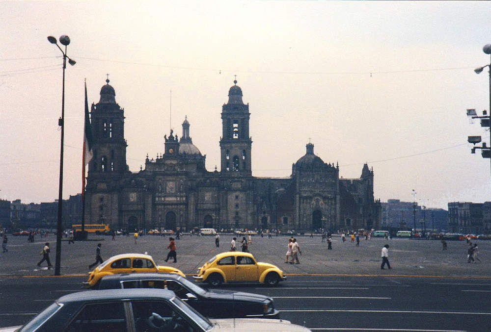 Cathédrale de Mexico. Je l'avais visitée entièrement et avais même monté sur le toit avec mon amie la fille du sacristain