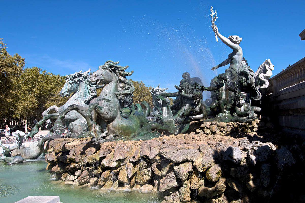 Bordeaux : Fontaine des quinconces