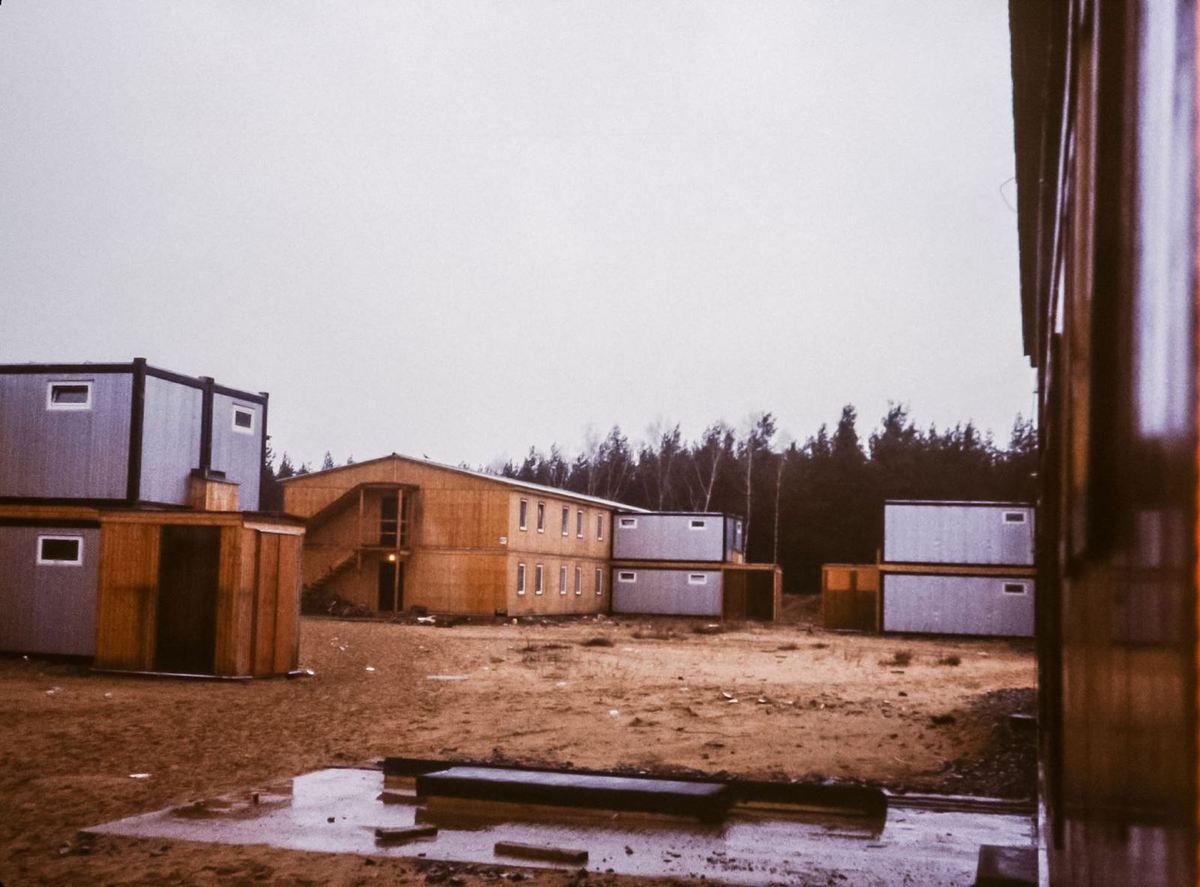 Vue des baraquements du camp