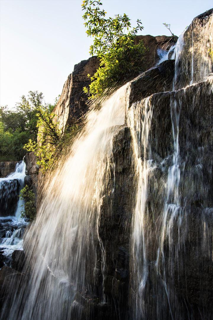 Vue de la cascade sous différents angles