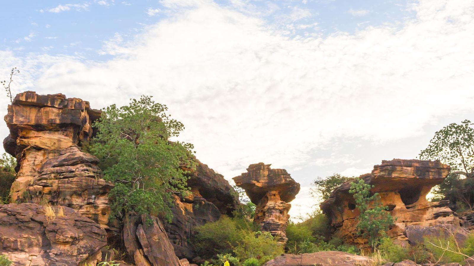 Constructions et Rites mystérieux d'Afrique