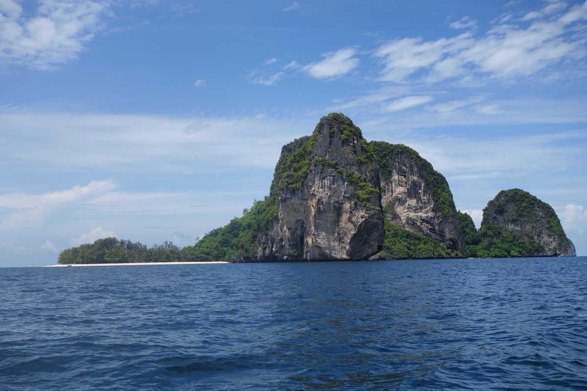 Direction Poda Island