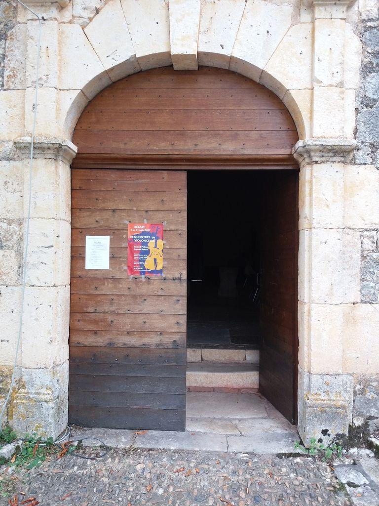 Entrée de l'église lieux du séminaire musicale