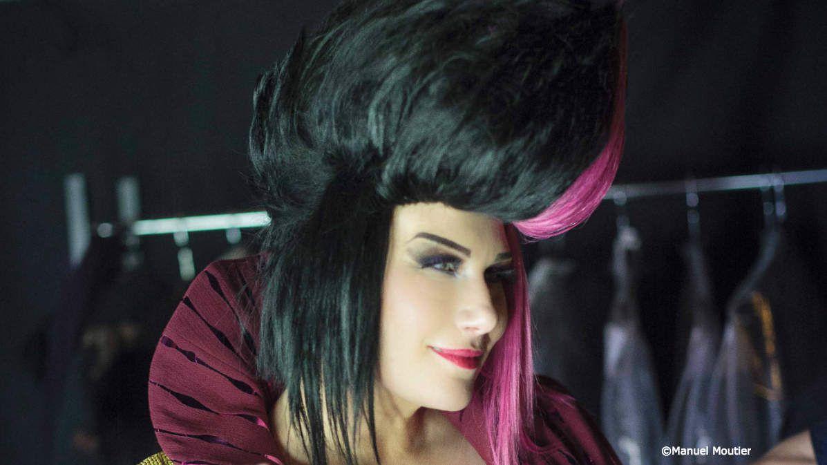 La femme électro: Véronick Sévère dans le rôle de Dhalia