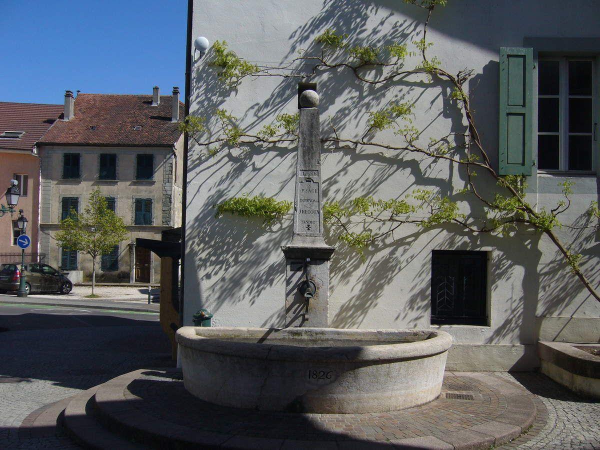SAINT-JULIEN-EN-GENEVOIS, ENTRE HISTOIRE ET ARCHITECTURE