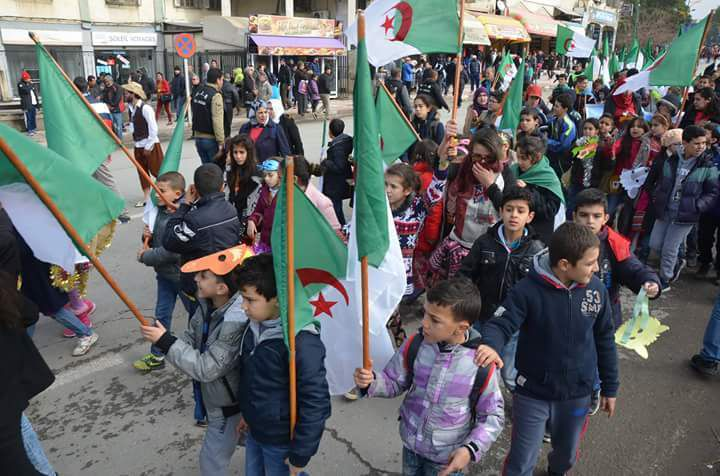 L'Algérie affolée par les indépendantistes Kabyles fait marcher les Algériens en Kabylie. KDirect - Actualité