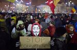 Rumanio: la ondo de protestado kontraŭ la registaro ne malfortiĝas