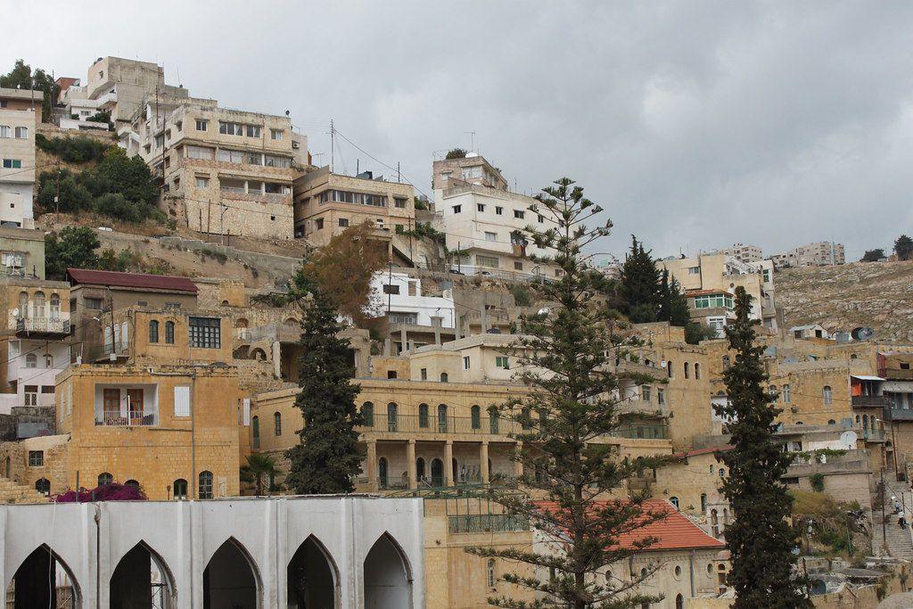 Salt, une ville rasée au 19ème siècle avant d'être sortie des décombres