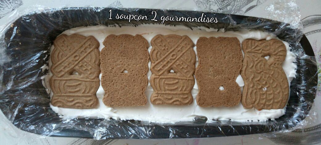 4 couches de spéculoos + 4 couches de chantilly -> frigo