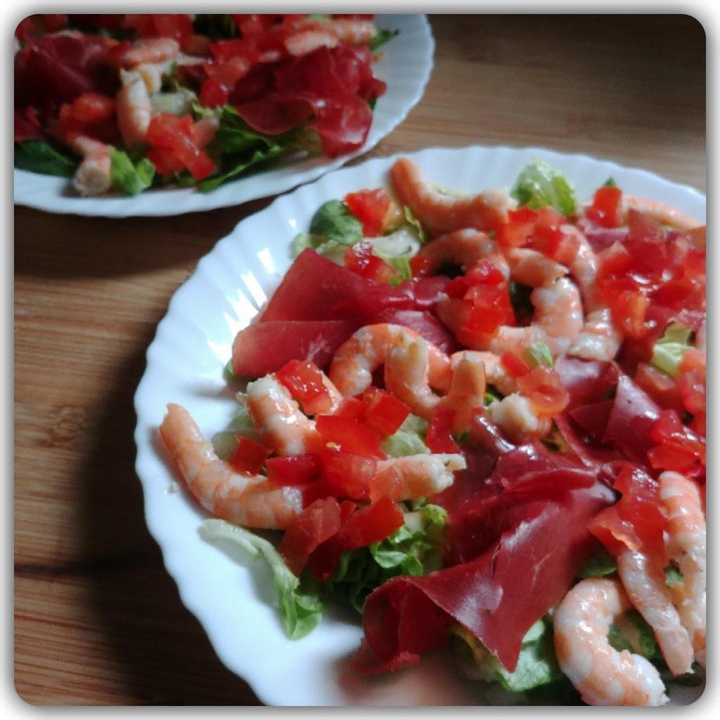 Salade de crevettes et viandes de grison