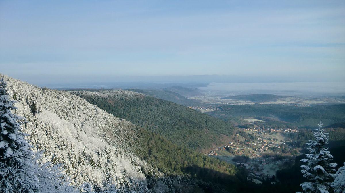 Le Valsberg et les crêtes en direction de Saverne.