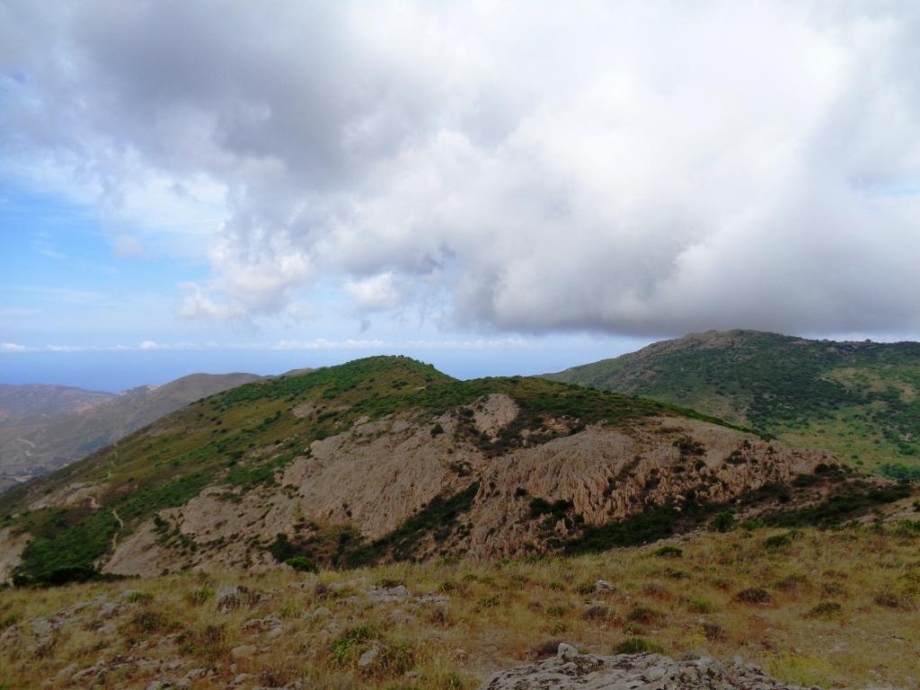 En direction de la Punta Curbajola (794m)