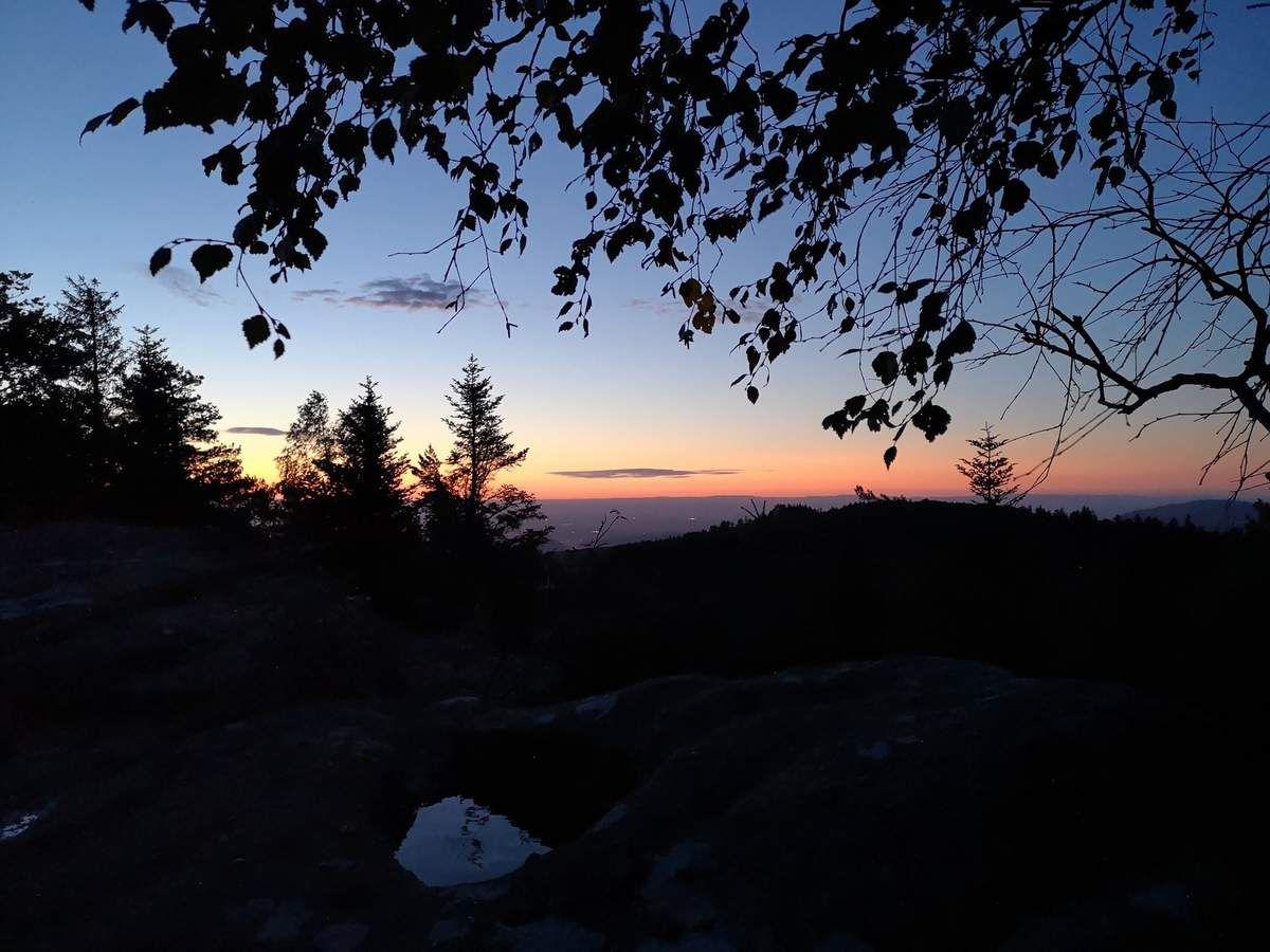 7h01 : Encore quelques instants à admirer l'horizon et nous nous remettons en route