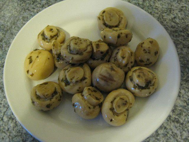 [Lidl] Italiamo Funghetti grigliati in olio di girasole (Gegrillte, marinierte Champignons in Sonnenblumenöl) von F.lli Polli Spa