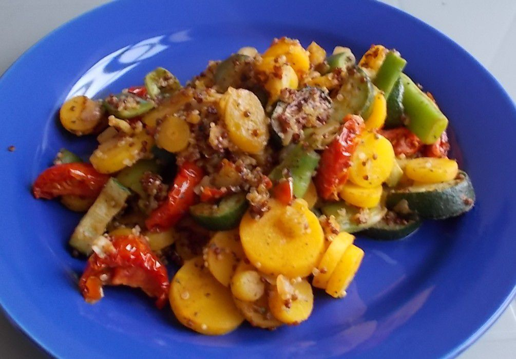FRoSTA Gemüse Pfanne mit Zucchini & Quinoa
