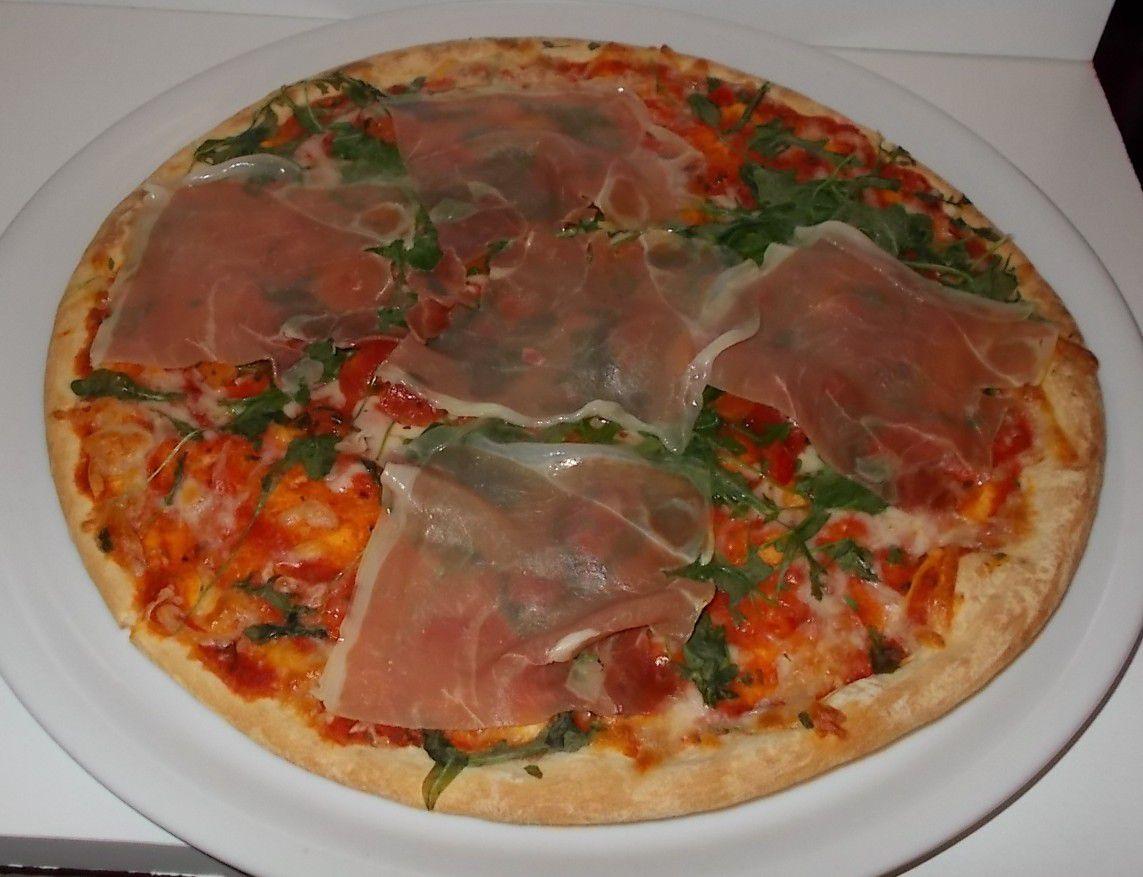 [Penny] Pizza-Gigante mit Serrano-Schinken und Rucola