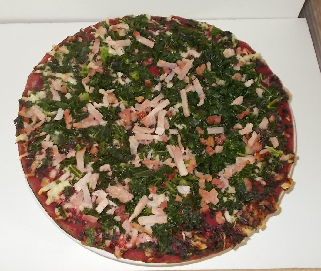 Be Smart, be a Beetroot Pizza mit Rote-Beete-Boden