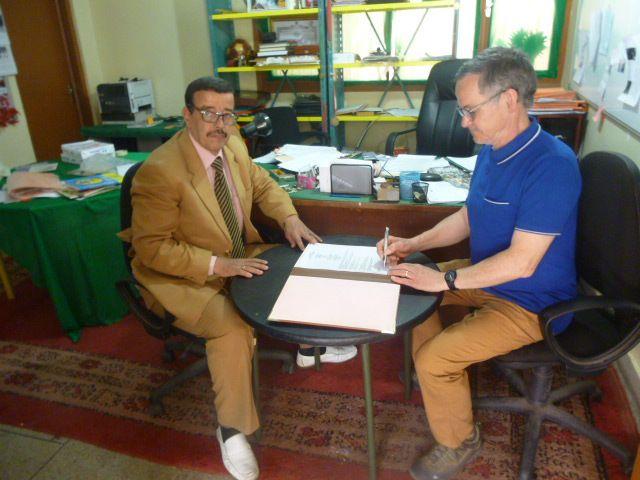 signature entre l'association des parents d'élèves de l'école Bilal et l'association un livre Au Soleil