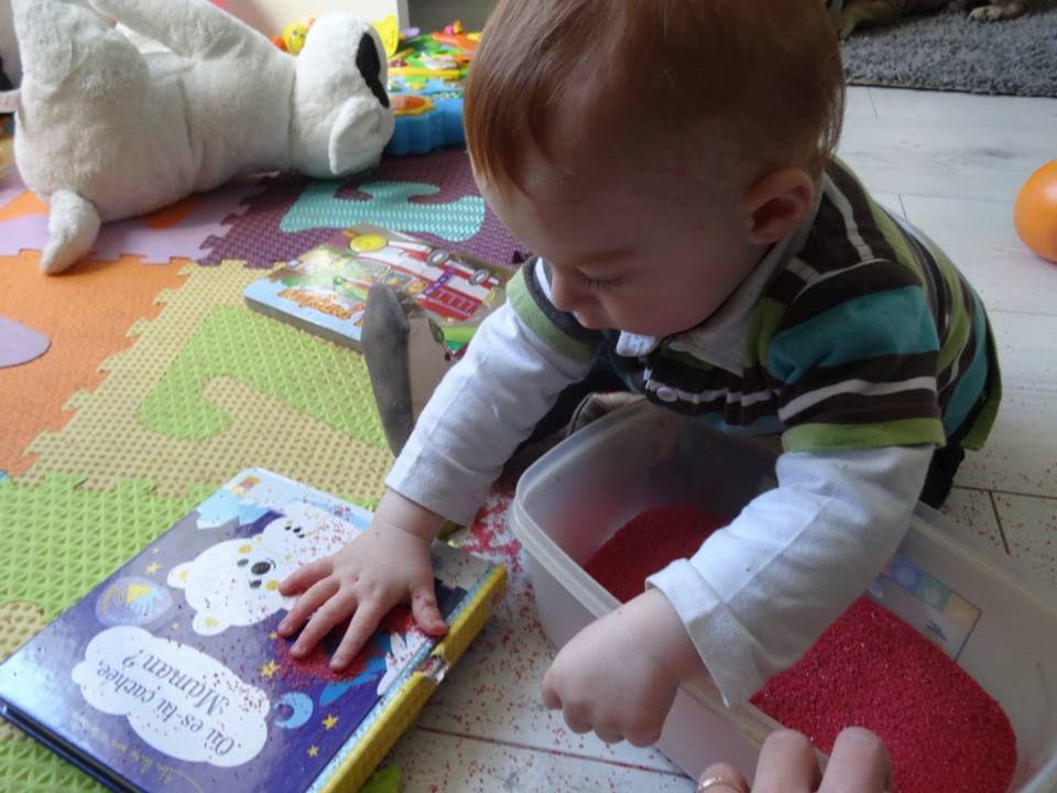 Idée d'activité : le bac sensoriel