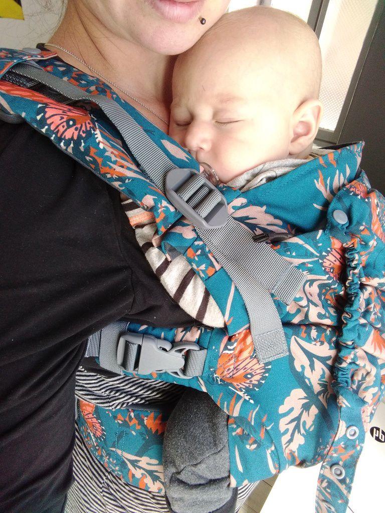 Location de porte-bébés  porte bébé (préformés, écharpes, sling, mei ... 86c0ac7f304