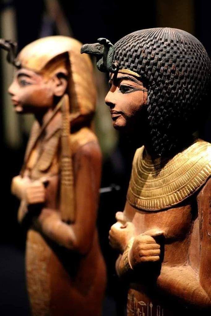 Photo d'une sculpture découverte dans la tombe de Toutankhamon