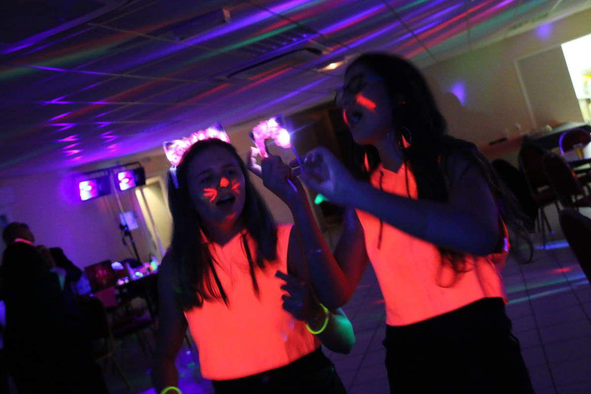 fluo party: 40 ans, ça se fête, non?
