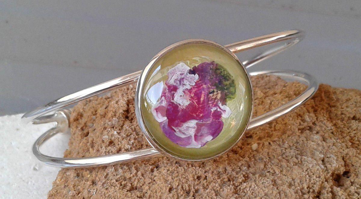 Peint, par artiste, art nouveau, fleuri, bracelet, jonc, metal, argente, ajustable, cabochon rond, 20 mm,jaune, vert, rose, blanc,lacik