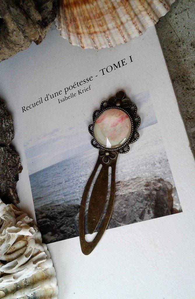 aquarelle vert rose,peint par artiste,marque page fleur bronze,cabochon verre rond 20 mm,accessoire boheme gothique victorien hippie romantique,roman lecture livre litterature