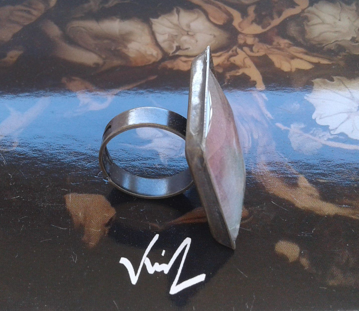 Fait mains en france, par artiste peintre,aquarelle originale isabelle k,rouge marron vert,bague ajustable,cabochon carré 20mm,laiton bronze,boho bobo gothique,fashion punk edouardien,art deco art nouveau,cadeau fete anniversaire,victorien baroque