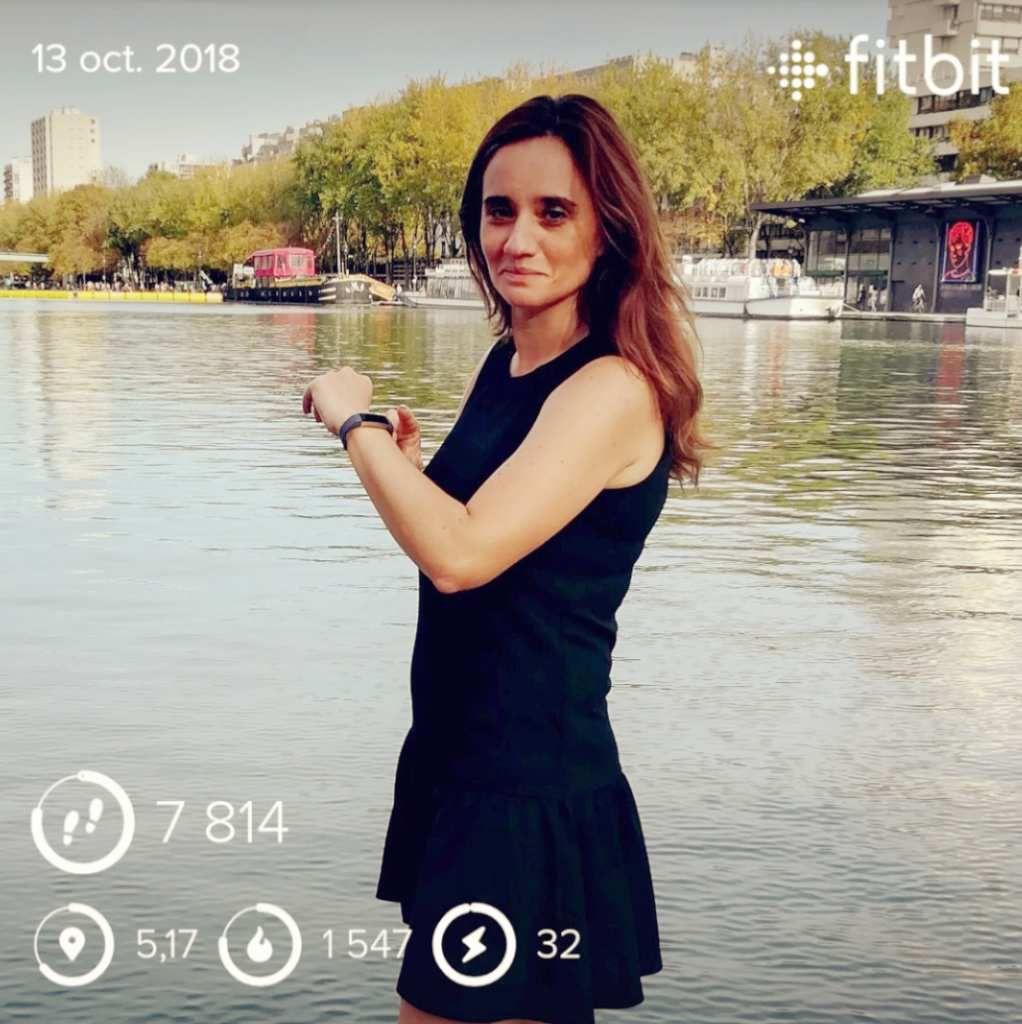J'ai testé le bracelet montre connecté Fitbit ALTA HR : une idée cadeau pour toute la famille !