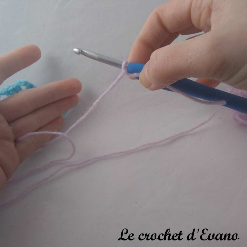 technique crochet knotless standing double crochet en français