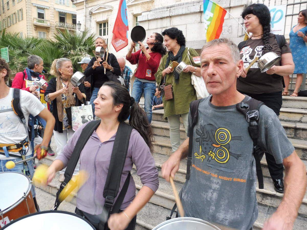 Casserolades unitaires à Nice, devant le palais de justice pour défendre les libertés fondamentales