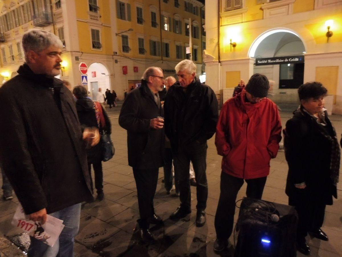 La section de Nice du PCF fête le Centenaire de la Révolution d'Octobre Place Garibaldi