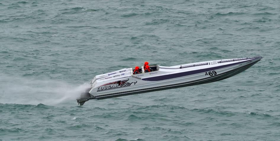 Mercury Racing Powers Curtis to Cowes-Torquay-Cowes Victory