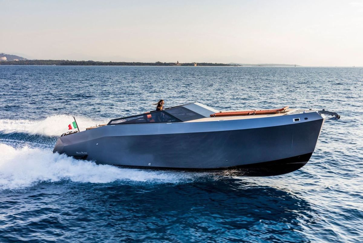 Mazu 32 Open on Yachting Art
