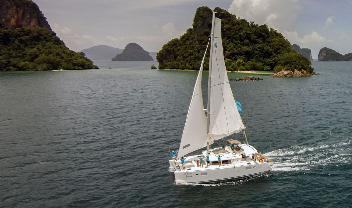 Multihulls - Makeover for The Club Lagoon