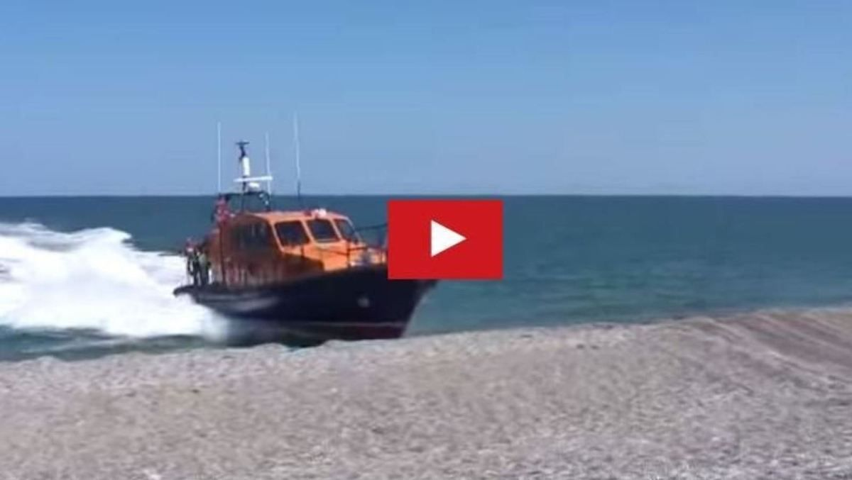 Video - Beacher at 15 knots, a 12m rescue boat