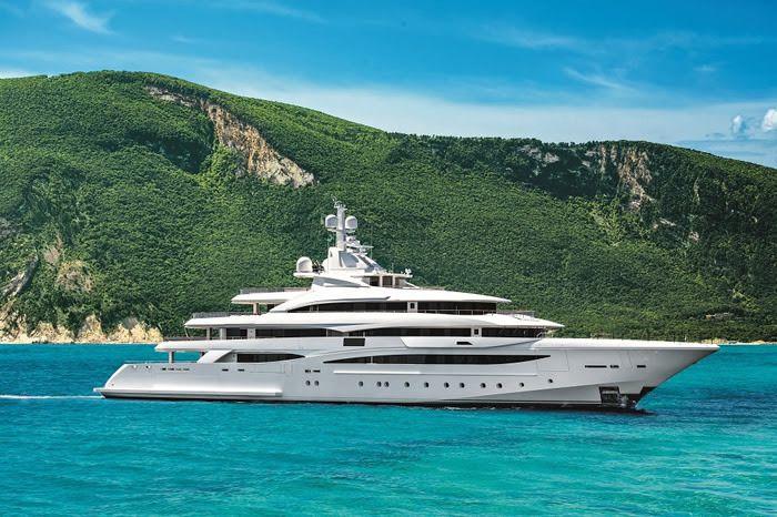 Le grandi stelle di Ferretti Group al Monaco Yacht Show