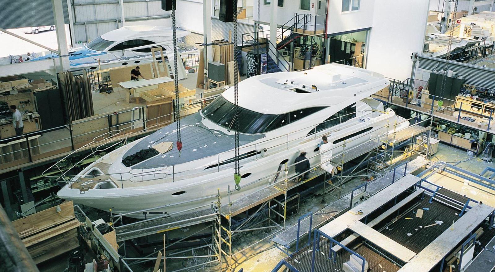 Fairline Yacht kündigt 240 Stellenabbau an