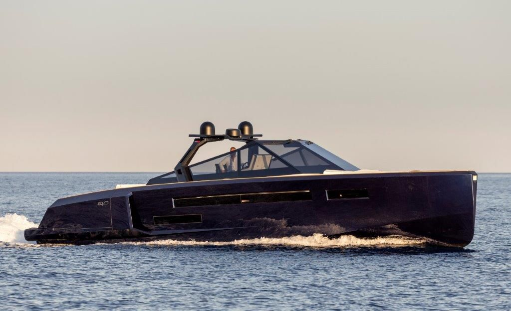 Yachting Festival 2020 - Evo R6 Open, a luxury open with a spectacular diving board