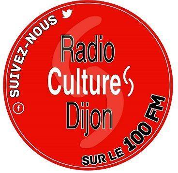 Le Mot sur la Main est une émission conçue et présentée par Claude Léa Schneider le lundi à 19h sur le 100 FM.