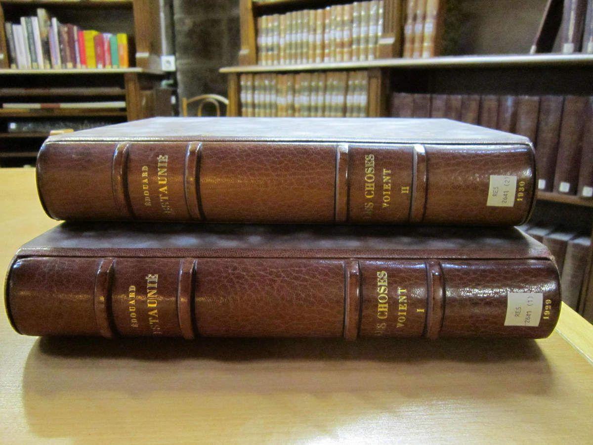 et il en existe de belles éditions et rééditions en cuir.