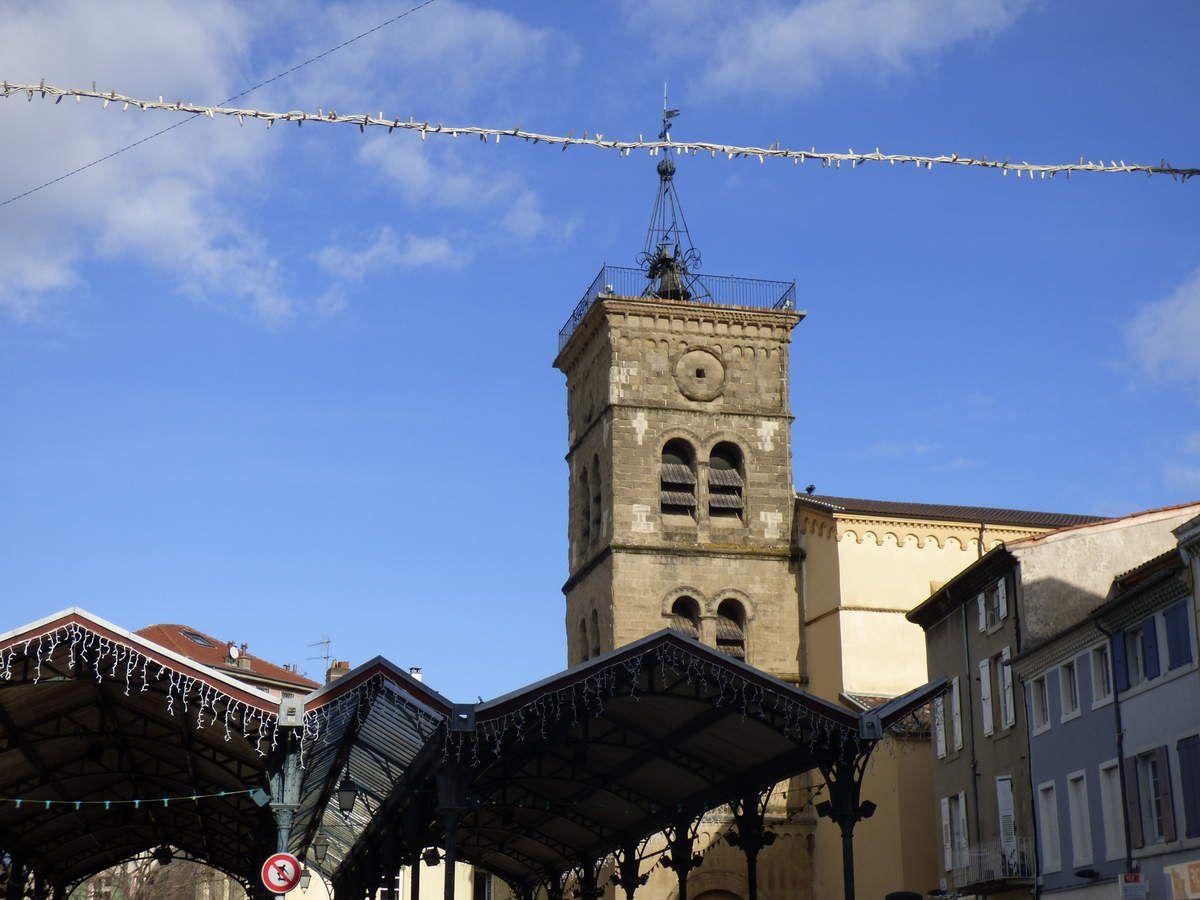 Dans les rues de Valence - Helene-Blanchet