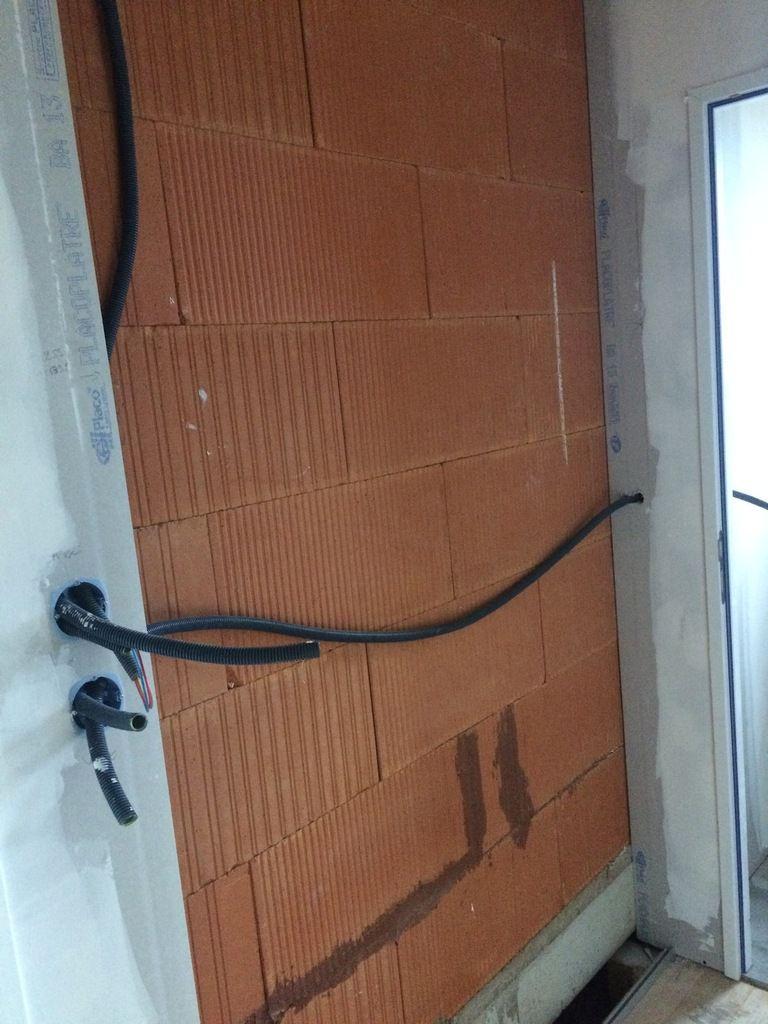 La porte fen tre du toit terrasse ma maison de ville for Securiser une porte fenetre