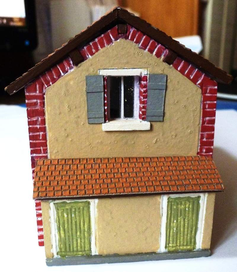 Construction d'une maison de garde barrière en PVC (Forex)
