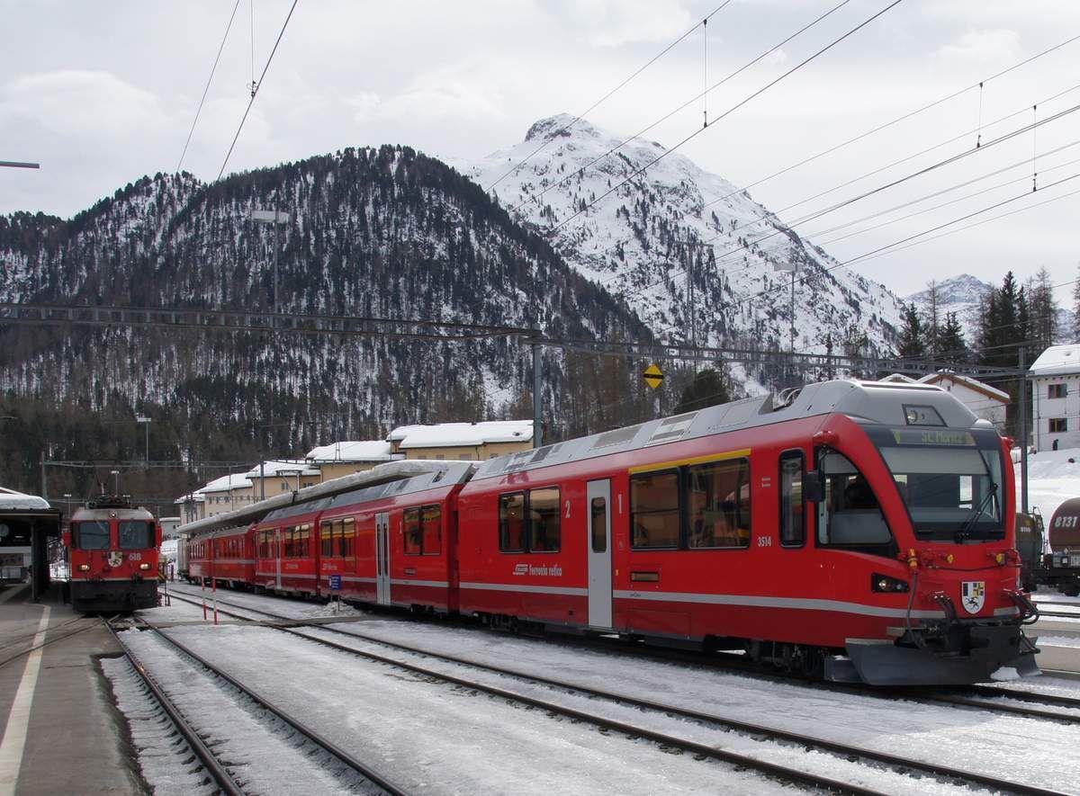 Bernina Express en gare en gare de Coire (Chur)